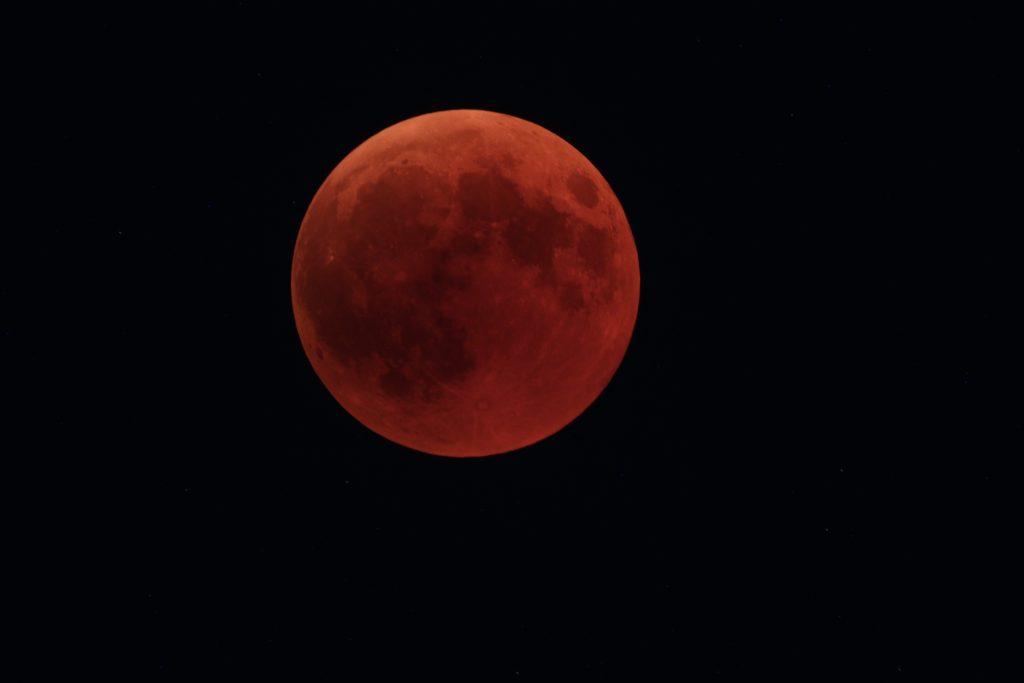 Mond zur Mitte der Totalität