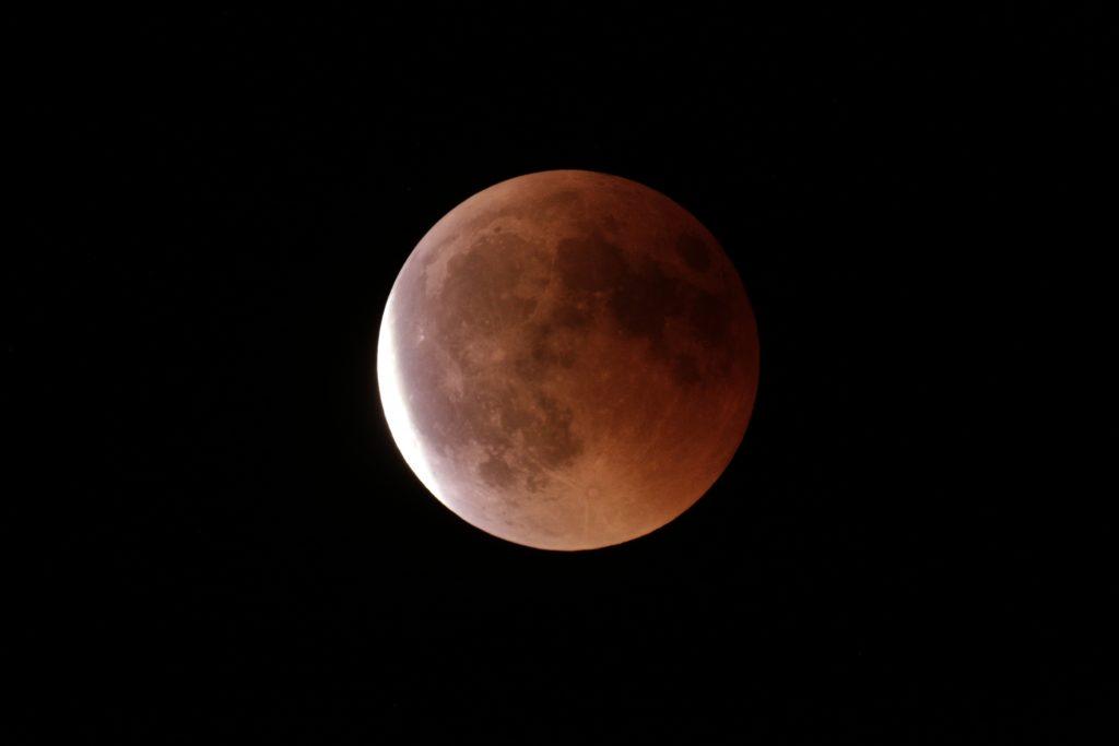 Ende der totalen Mondfinsternis